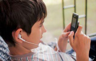 La edad ideal para el primer móvil
