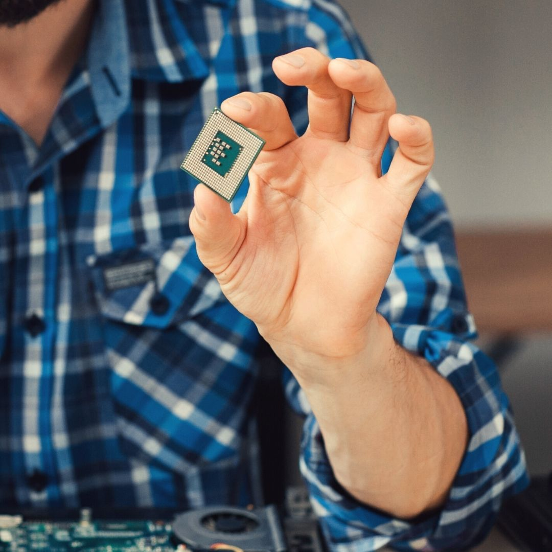 La actual escasez de microchips y cómo puede afectar el suministro de dispositivos electrónicos
